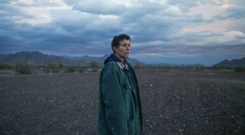 Frances McDormand i Nomadland film